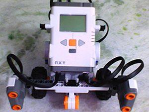 """Implementação do algoritmo """"Emmy"""" utilizando a tecnologia Lego Mindstorm NXT: projeto de Alan Claudius Maciel e Bruno dos Santos Umbelino Francisco"""