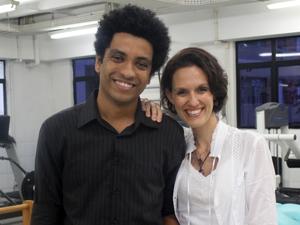 Eliany Cristina Marques Costa e Haroldo Miranda Da Silva, alunos de Engenharia Eletrônica da Unisanta