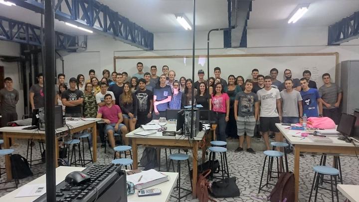 Quinta turma do curso básico de Eletrônica da Unisanta