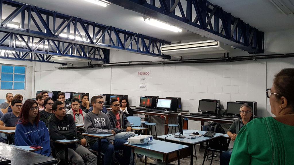 Alunos de Engenharia de Computação e Eletrônica participam de nova edição de minicurso sobre desenvolvimento e gestão de carreiras